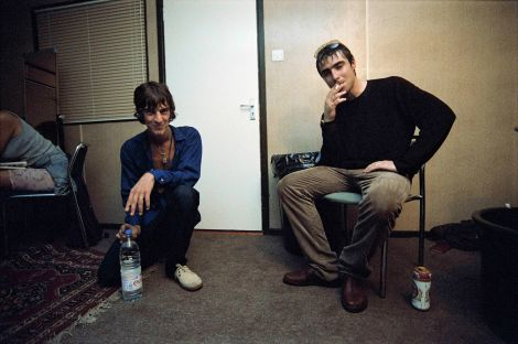 4) Richard Ashcroft & Liam Gallagher by Chris FloydSML